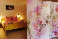 Schlafzimmer mit Sichtabtrennung